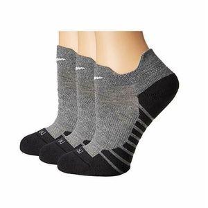 Nike Dry Cushion Low Gray Dri-Fit Training Socks